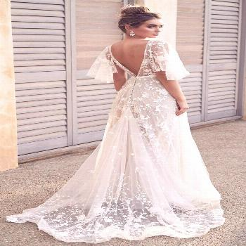 Amelie Dress — Anna Campbell        Wedding Dress by Anna Campbell | Embroidered tulle, embellish