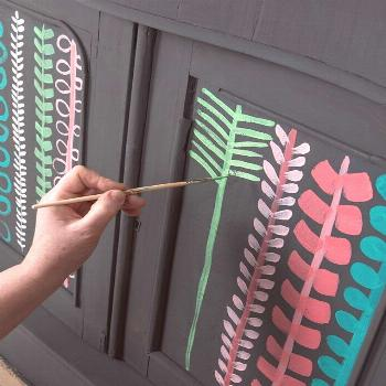 Lucy Tiffney painted this chest for Annie Sloan's book magazine The Colorist. The B … L